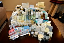 Stealing-Hotel-Toiletries