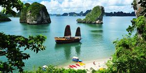 halong-Bay-Vietnam-luxury-Travel-Service1