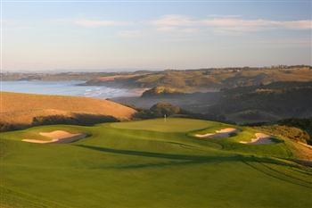 The scenic 4th at Kauri Cliffs GC, in New Zealand's subtropical north