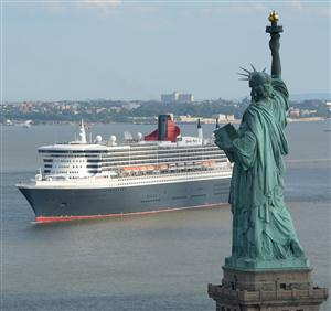 QM2 and the Statue of Liberty email. Mandatory credt James Morgan, Cunard