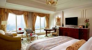 The Ritz-Carlton, Guangzhou this season upgraded its 'Canton Fair Early Bird' room packages, delivering uncompromising luxury and superior value to world travelers arriving in Guangzhou this October.