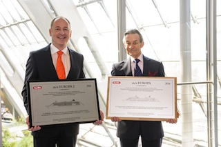 Karl J. Pojer, Chief Executive of Hapag-Lloyd Cruises, and Douglas Ward, author of the Berlitz Complete Guide to Cruising and Cruise Ships, at the presentation of the Berlitz awards with the highest distinction of 5-stars-plus for both ships, the EUROPA and the EUROPA 2.