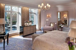 Mandarin Oriental Hyde Park, London – Royal Suite – bedroom