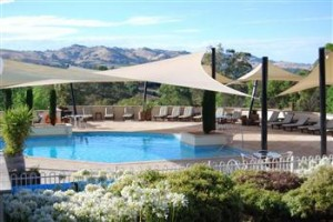 Novotel Barossa Valley Resort Pool shade sails - low res