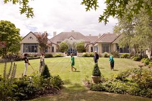 Peppers_Manor_House_-_High_Tea_and_Croquet_-_signature_conference_experience