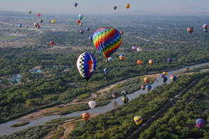 From October 5-13th, the sky surrounding the Albuquerque Marriott Pyramid North hotel will be filled with colorful hot-air balloons of all shapes, sizes and hues. The annual event draws thousands from around the globe, from enthusiasts to spectators, and is a favorite with families. This hotel offers guests the nearest full-service hotel to Balloon Fiesta Park, and as an official event sponsor.