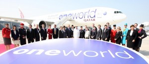 Qatar Airways officially marked its joining into oneworld today. Following the inauguration ceremony, a oneworld decorated aircraft was flanked by CEOs, Heads of Delegations and airline representatives of the oneworld alliance who celebrated the addition of Qatar Airways to the group.