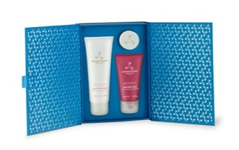 Rose Deluxe Trio (HK$430) by Aromatherapy Associates will keep your skin hydrated throughout the winter season