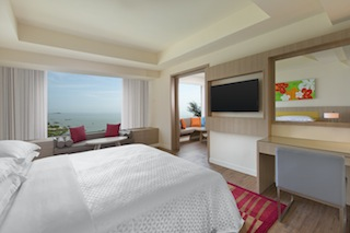 Four Points by Sheraton Penang_Deluxe Ocean Front Suite - Bedroom