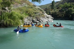 Guests can enjoy the stunning scenery of the Kawarau River