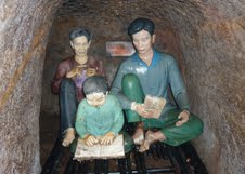 High_School_in_Vinh_Moc_Tunnel