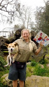 Oakvale painting dingo Kaya with trainer Lia Reeve-Parker.sml