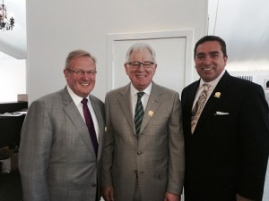 Rodger Powell MD TAA, Minister for Trade & Investment Andrew Robb, Ron Vlasic Chair AHLA