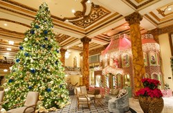 gI_152198_christmas-san-francisco-fairmont-gingerbread-house