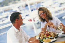 Couple seafood lunch Port Stephens - credit - Tourism NSW