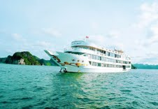 starlight-cruise-halong-bay-vietnam-luxurytravel