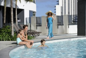Peppers_Broadbeach_-_family_poolside