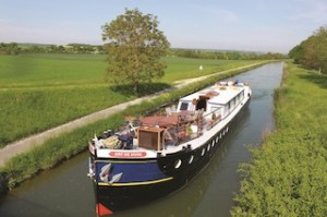 Crewed canal barging_Art De Vivre_LR