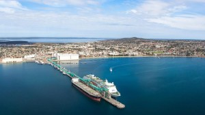 Pacific Pearl in Port Lincoln_photo credit Robert Lang