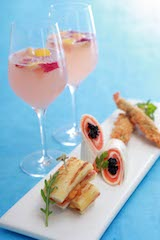 SPARKLING DRINKS AND SAVORY ITEMS