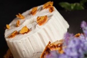 The Secret Sweet Garden - Angel Cream Cake with Honeycombs