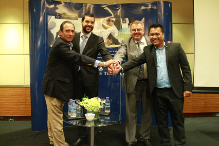 Indonesian growth (left to right) : Golden Tulip Southeast Asia Managing Director, Mark Van Ogtrop; Louvre Hotels Group Chief Development Officer, Matthieu Evrard; Louvre Hotels Group CEO, Pierre-Frederic Roulot and Golden Tulip Indonesia Vice President, Erick Herlangga.