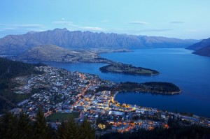 Queenstown_Aerial_View_at_Dusk1