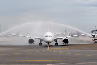 TG101_THAI Welcomes First 787 Dreamliner-3