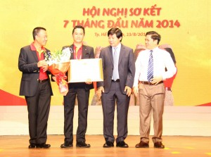 Certificate of Merit to VietJet Training Center by the Ministry of Transport of Vietnam