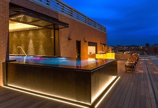 Rooftop Relaxation Pool and Lounge