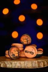 Halloween Macaroon 2 - low