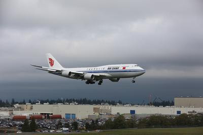 China's First New-Generation Boeing Jetliner B747-8 Delivered to Air China_2