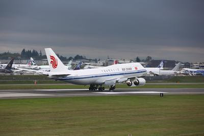 China's First New-Generation Boeing Jetliner B747-8 Delivered to Air China_3
