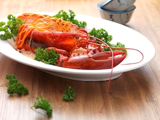 Indulge in the elegance of Boston Lobster from 6-31 October  at Zuan Yuan Chinese Restaurant.