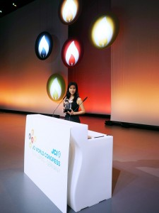 Photo15_Ms. Poman Lo attends the ceremony for 'The Ten Outstanding Young Persons of the World'