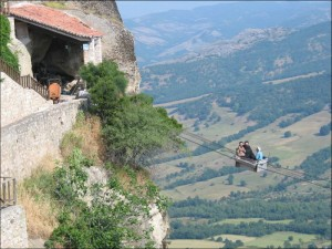 Greece_meteora-not_for_the_feinthearted.GreeceTourSpecialists.rsz
