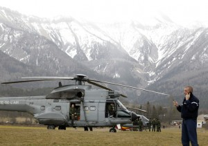 ecovering-the-lost-aircraft-will-be-hampered-by-the-terrain-snow-and-weather.-EPA-Sebastien-Nogier