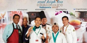 Dilmah-winner-with-judges-e