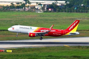 Enjoy flying with Vietjet 1