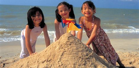 GSH Kids and Sandcastle