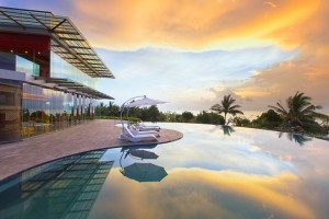 Sheraton Bali - Infinity Pool Sunset