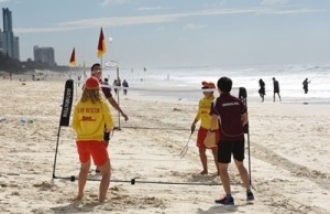 Aussie badminton stars join Surf Life Savers for a friendly game on the beach