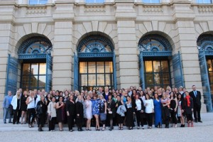 Scenic famil group at Palais Leichenstein (1)