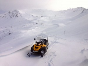 New snow has blanketed Mt Hutt today with up to 30cm across the mountain and metre-deep drifts in places