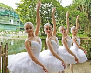jbp-st-petersburg-ballet-at-flamingo-pool-2