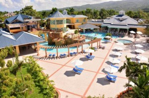 Curio_Jewel_Paradise_Cove_Beach_Resort_and_Spa_Runaway_Bay_PoolDeck_FP