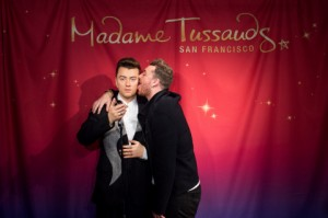 Singer Sam Smith, right, unveils his wax doppleganger in San Francisco, California, August 10, 2015. (Photo by Noah Berger for Madame Tussauds)
