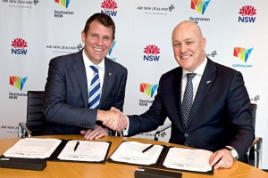 (right) Christopher Luxon, Air New Zealandís Chief Executive and New South Wales Premier Mike Baird signing a new strategic  partnership at Air New Zealand head office in Auckland 18 Aug 2015