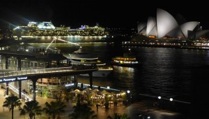 Diamond Princess passes Sydney Opera House