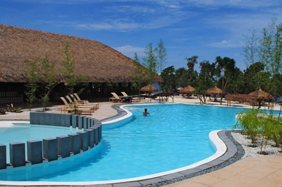 BOHOL BluewaterPanglao Aplaya Pool (2)